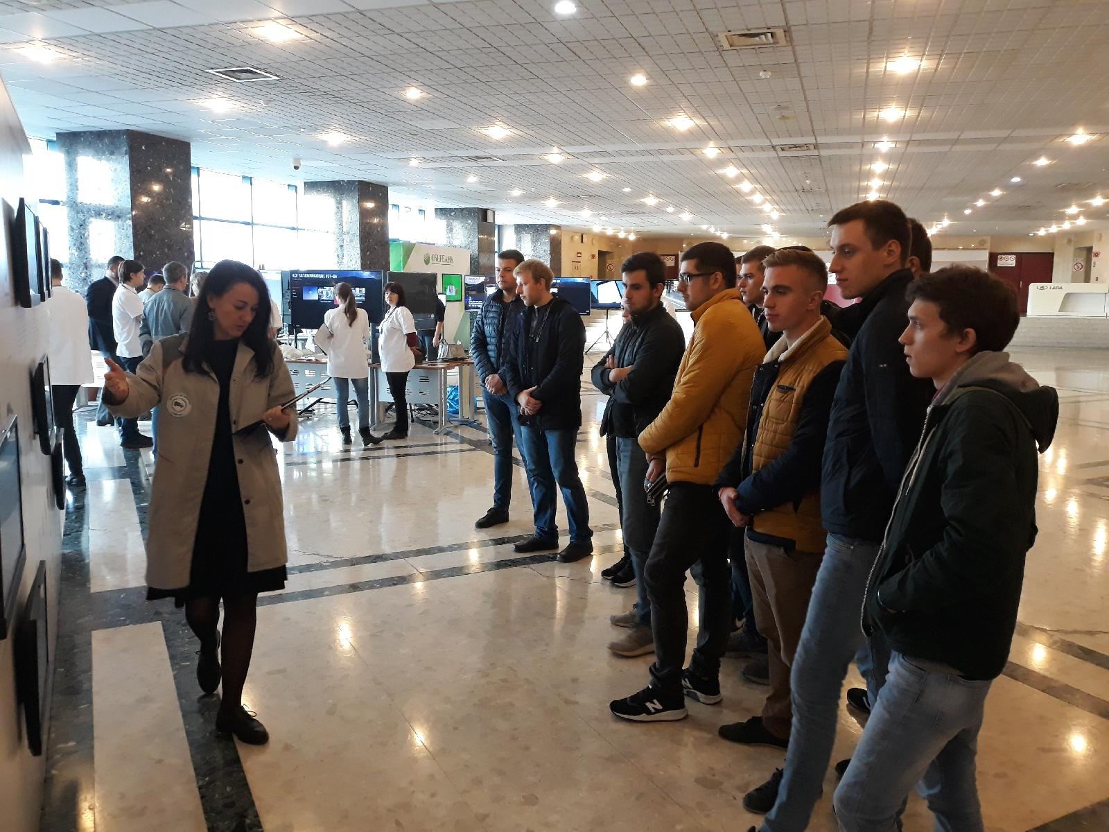 Студенты ПГУ посетили АВТОВАЗ в рамках выставки «Завод будущего»
